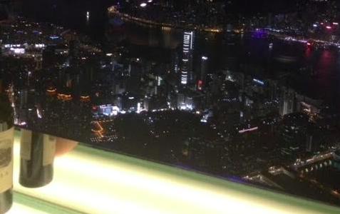リッツカールトン香港のバー・OZONEの夜景と予約方法